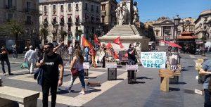 Presidio in Piazza Stesicoro di Catania Reddito di Quarantena 23/5/20